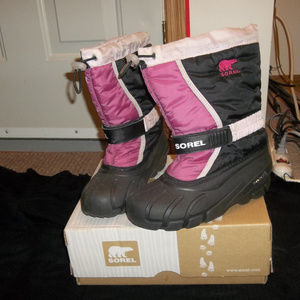 Girls Sorel Flurry Boots Size 4 Youth